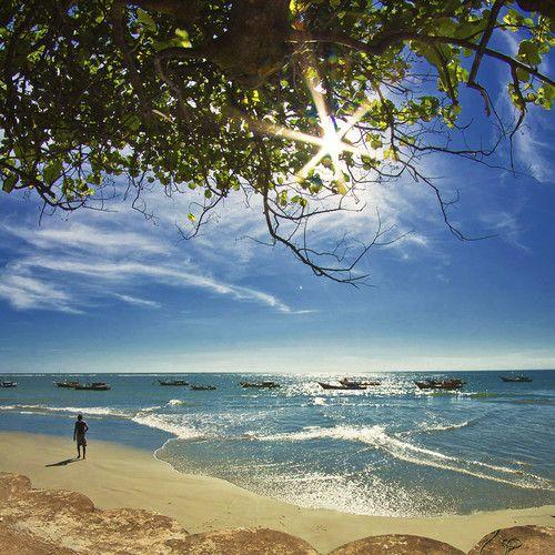 Panjang Beach, stretched 10km long just outside Bengkulu city, Bengkulu, Indonesia. (by Silverado Yoenoes)
