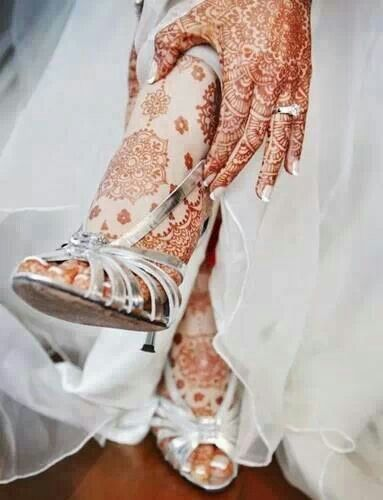 Henna art mehndi. Traditions. Indian wedding cultural ♥