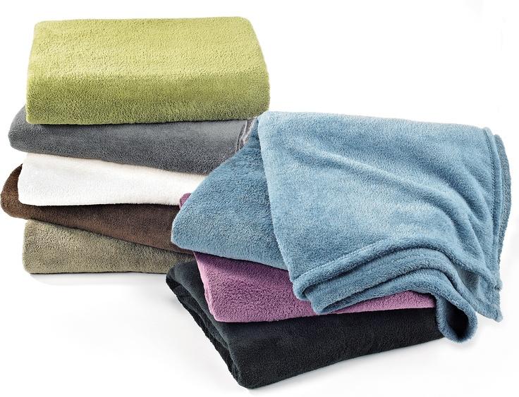Micro Fleece Throws // Jetés en micro molleton $6.99