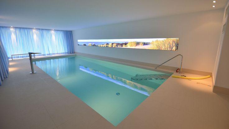 Schwimmbadbauer: Schwimmbadbau- und Bauelementevertrieb Biggetal GmbH www.sbb-wenden.de Hallenbad zuhause, Schwimmhalle privat, LED-Bild