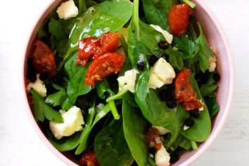 Baby spinach, semi-dried tomato and feta salad