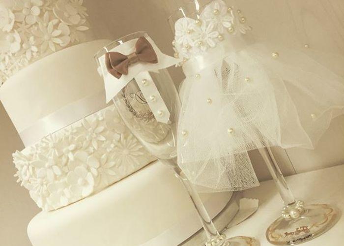 新郎新婦の乾杯グラスをおめかし♡『グラスドレス』のDIY方法とデザイン集*のトップ画像