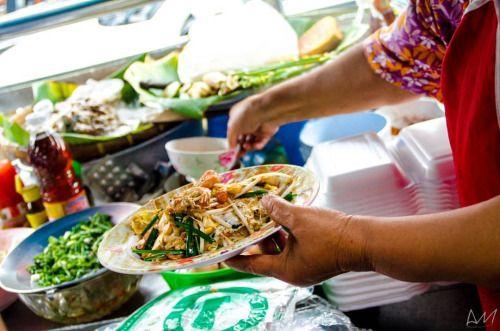 ...Traditional Pad Thai!!~  16.06.16 #사장 #여행 #여행스타그램 #방콕 #태국 #목스타그램 #맛스타그램 #아침식사 #음식 #음식스타그램 #스낵 #간식 #간식스타그램 #padthai #bangkok #thailand #travel #travelphotography #foodphotography #MyChefsTable #cupofchoco