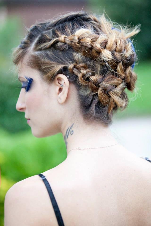 #montanucciAcconciatori Style #capelli #treccia #incastro perfetto #show #orvieto #dimostrazione #caarp #tatoo #biondo #sfumature www.duostylist.it