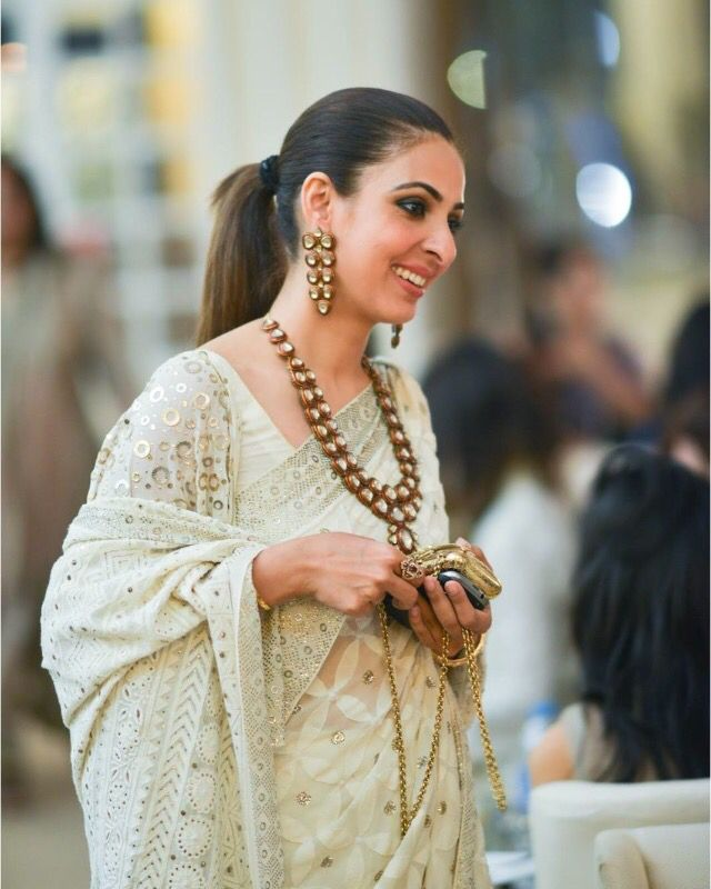 Love love love this piece of kundan jewelry! How could we not! #gems #jewels #desi