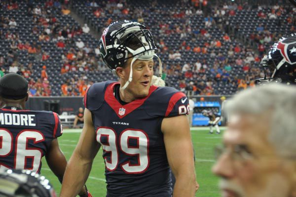 """<div class=""""meta """"><span class=""""caption-text """">Photos from inside and outside NRG for the Broncos-Texans preseason matchup (Photo/ABC-13)</span></div>"""