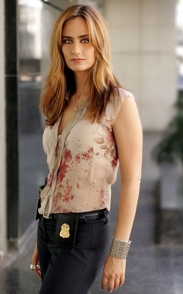 I always love her hair!!! Megan on Numb3rs