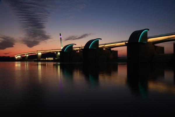 The sunset of Gangjeong Goryeong reservoir at Nakdong river among 16 reservoirs [ 16개 보 중, 낙동강 강정 고령보에서 지는 노을 ]