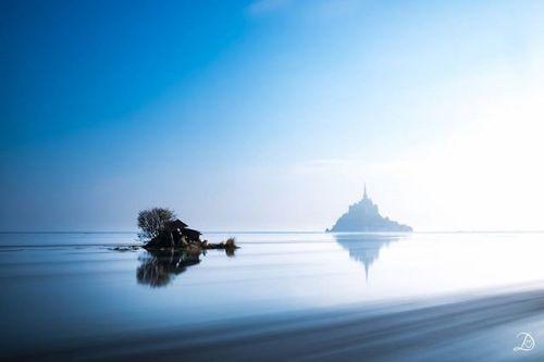 Le Mont Saint-Michel plus mystique que jamais. Un instant magique immortalisé par notre membre DidOlympus sur #MyOlympus. Photo : DidOlympus / #OlympusOMD E-M1 / M.ZUIKO DIGITAL ED 1240mm 1:2.8 PRO #Olympus #Zuiko #igers #shootoftheday #picoftheday #Normandie #MontSaintMichel via Olympus on Instagram - #photographer #photography #photo #instapic #instagram #photofreak #photolover #nikon #canon #leica #hasselblad #polaroid #shutterbug #camera #dslr #visualarts #inspiration #artistic #creative…