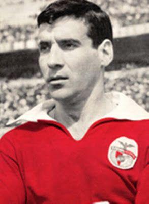 GRANDES NOMES ÂNGELO MARTINS Ângelo Gaspar Martins , nasceu no Porto a 19 de Abril de 1930 Do prelo de Ângelo Martins saíram algumas das me...
