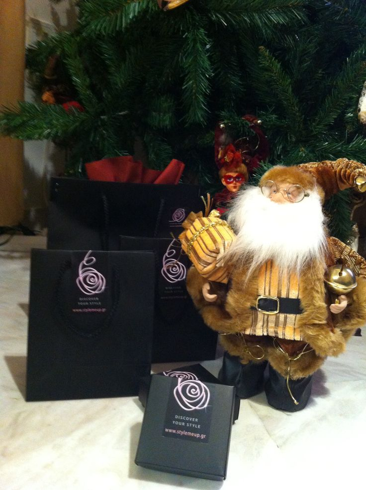 Christmas gifts by Santa Claus www.stylemeup.gr