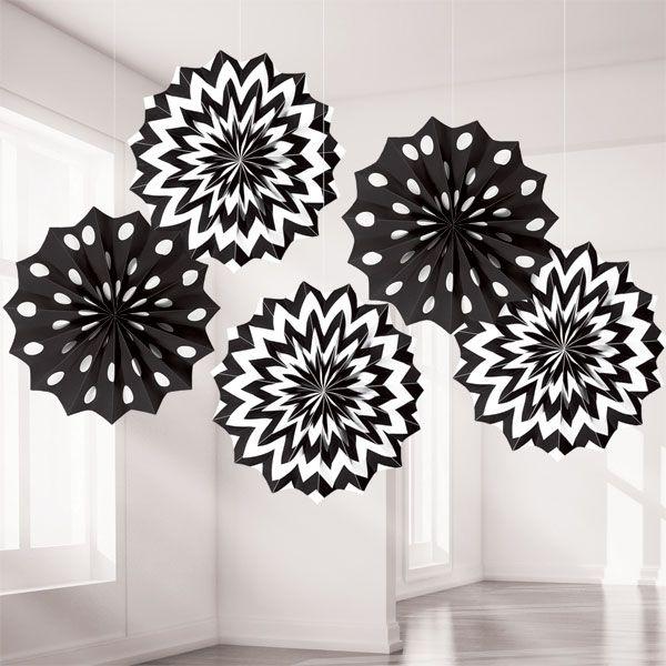 Mooie versiering zwart wit met stip en  chevron.
