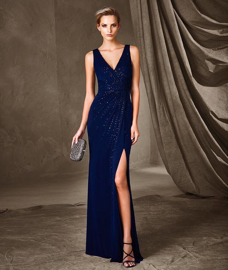 CODAL— платье Pronovias с V-образным вырезом
