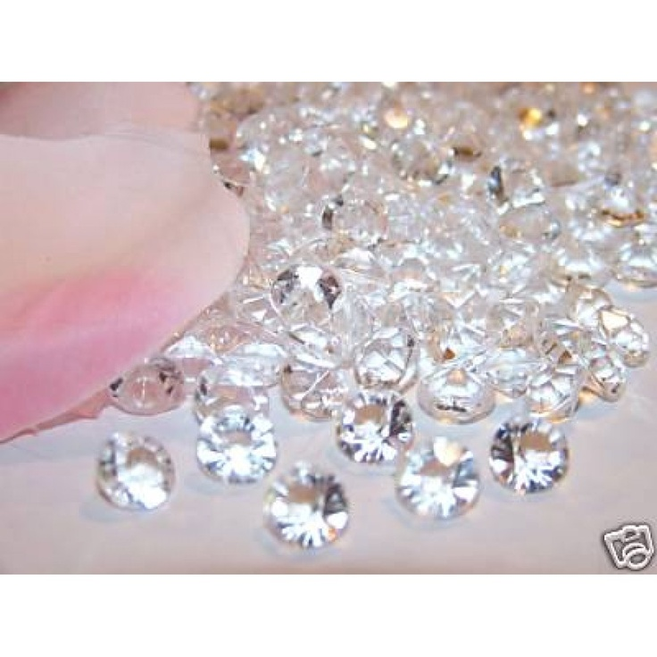 Edible Diamonds Clear.. an easy way to dress up a cake.