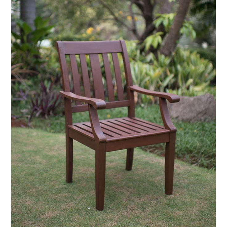 The Como dining collection mahogany outdoor dining chair is beautifully crafted to fit with your traditional outdoor living decor. The arm chair is built for leisure and family gatherings with its classic craftsman style.