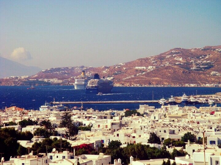 Mykonos, Cyclades - © Giorgos Taxmazidis