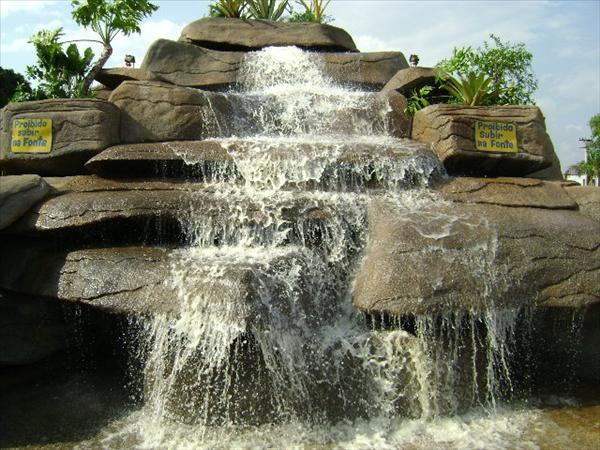 17 mejores im genes sobre cascadas y fuentes para jardin for Cascadas de piedra para jardin