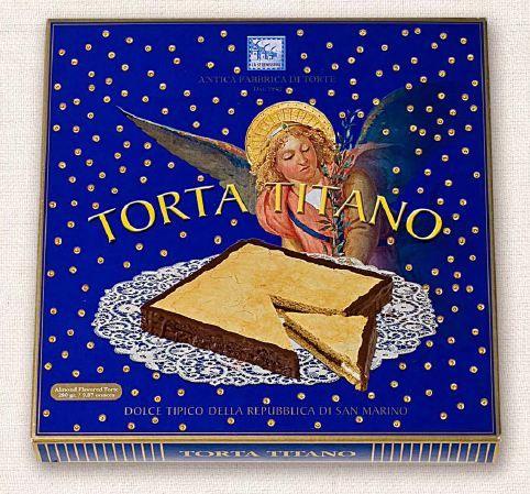 Torta Titano - tipica di San Marino a base di cialde quadrate sovrapposte in cinque strati farcita con crema al cacao, caffè e nocciole rifinite col cioccolato fondente. Ha il riconoscimento del Marchio di origine e tipicità dei prodotti dell'Artigianato della Repubblica di San Marino.