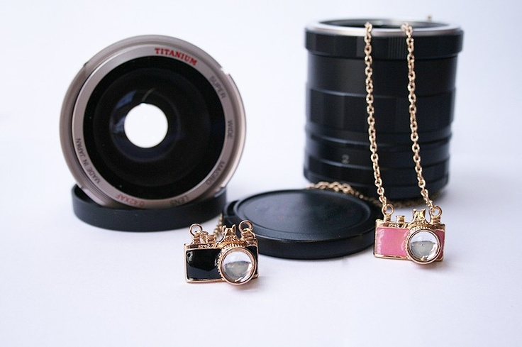 *Click* Camera ketting 2  (zwart of roze)