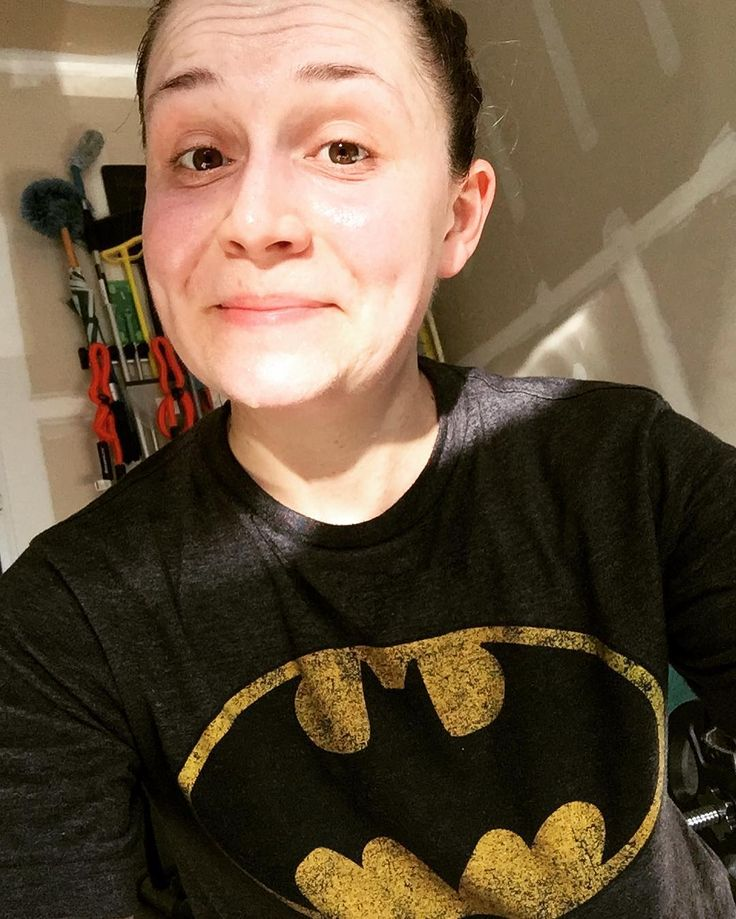 Even batman sweats his butt off! Holy moly workout! #healthylife #fitlife #clt #theunexpectedhousewife #trophywife #bestlife #homegym #cardio #newyearnewme #letsdothis