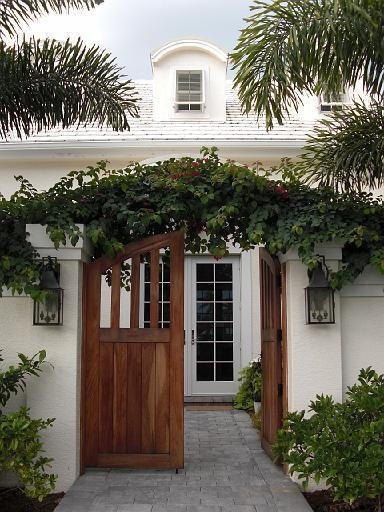 gorgeous gate, climbing vines