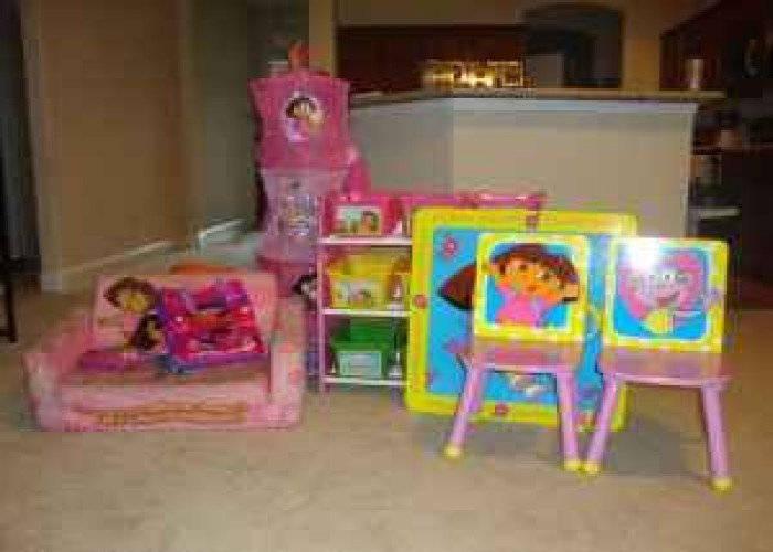 17 best images about for my kids on pinterest girls for Dora themed bedroom designs