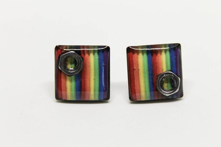 Orecchini arcobaleno a lobo con filo elettrico e bulloni / quadrati / riciclo / ecofriendly / geek / nerd / regalo per lei / informatica / di Circuitsland su Etsy