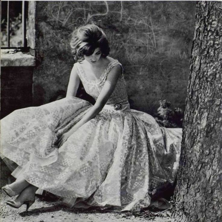 Gown By Coco Chanel - 1961 http://crushculdesac.tumblr.com/post/48410605348/jeanjeanie61-gown-by-coco-chanel-1961-lart