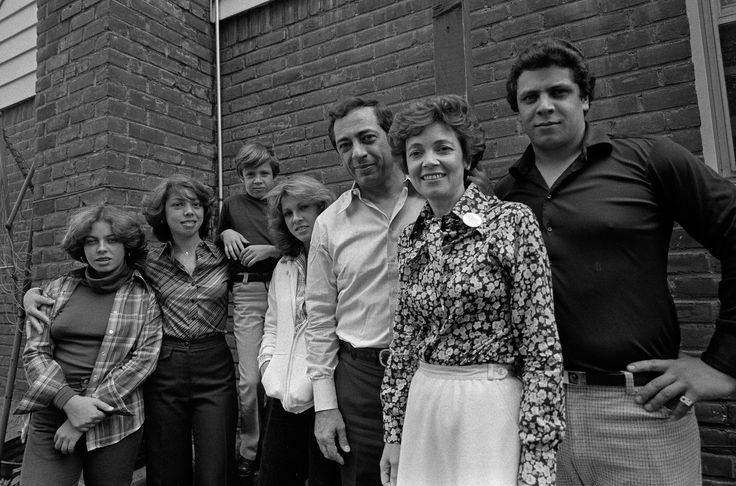 Mario Cuomo, Ex-New York Governor and Liberal Beacon, Dies at 82 - NYTimes.com
