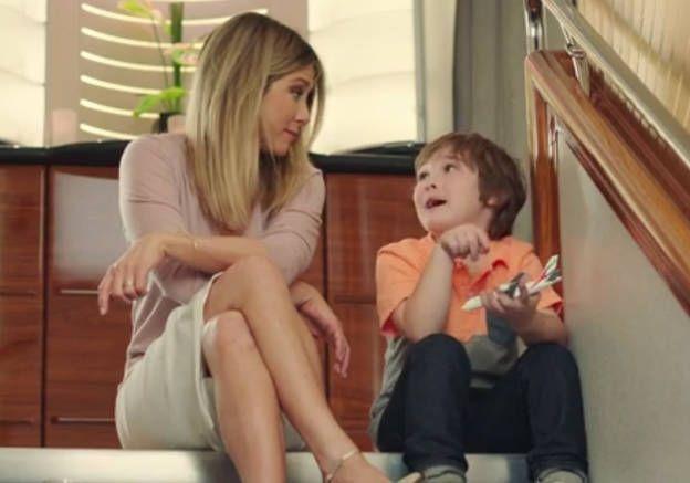 PrêtàLiker : Jennifer Aniston se reconvertit en baby-sitter de choc !