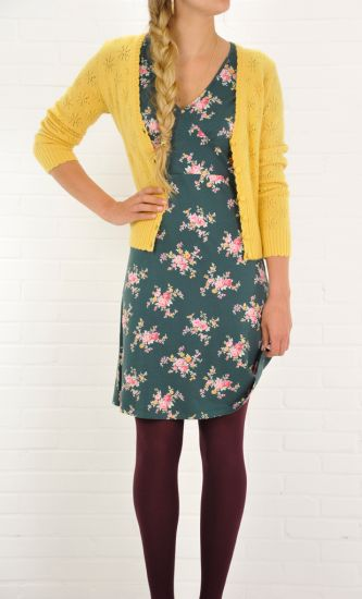 Model wears the Georgina dress shsl Tapis with a Cardi v Angora Star