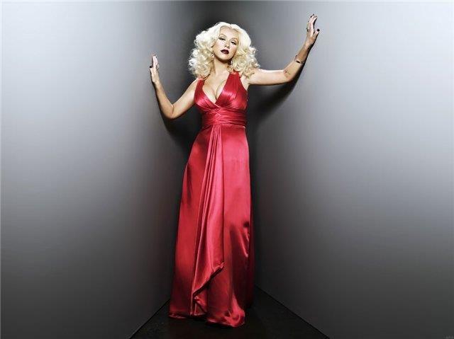 Красное платье кристина агилера