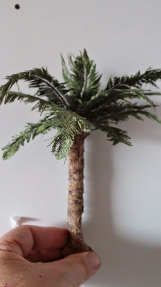 This is my first time to try make palm tree leaves. Next tree i made some parts differently.. i spread the glue more evenly, then it...