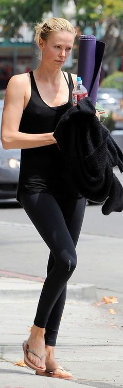 Charlize Theron: Pants – GRACEDBYGRIT  Shoes – Havaianas