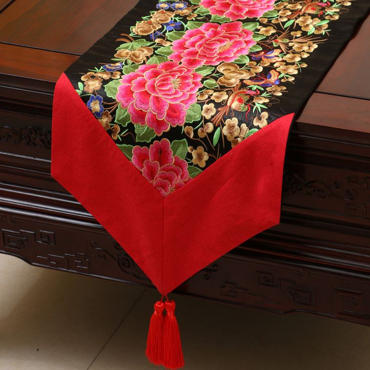 Best 25 Coffee Table Runner Ideas On Pinterest Small