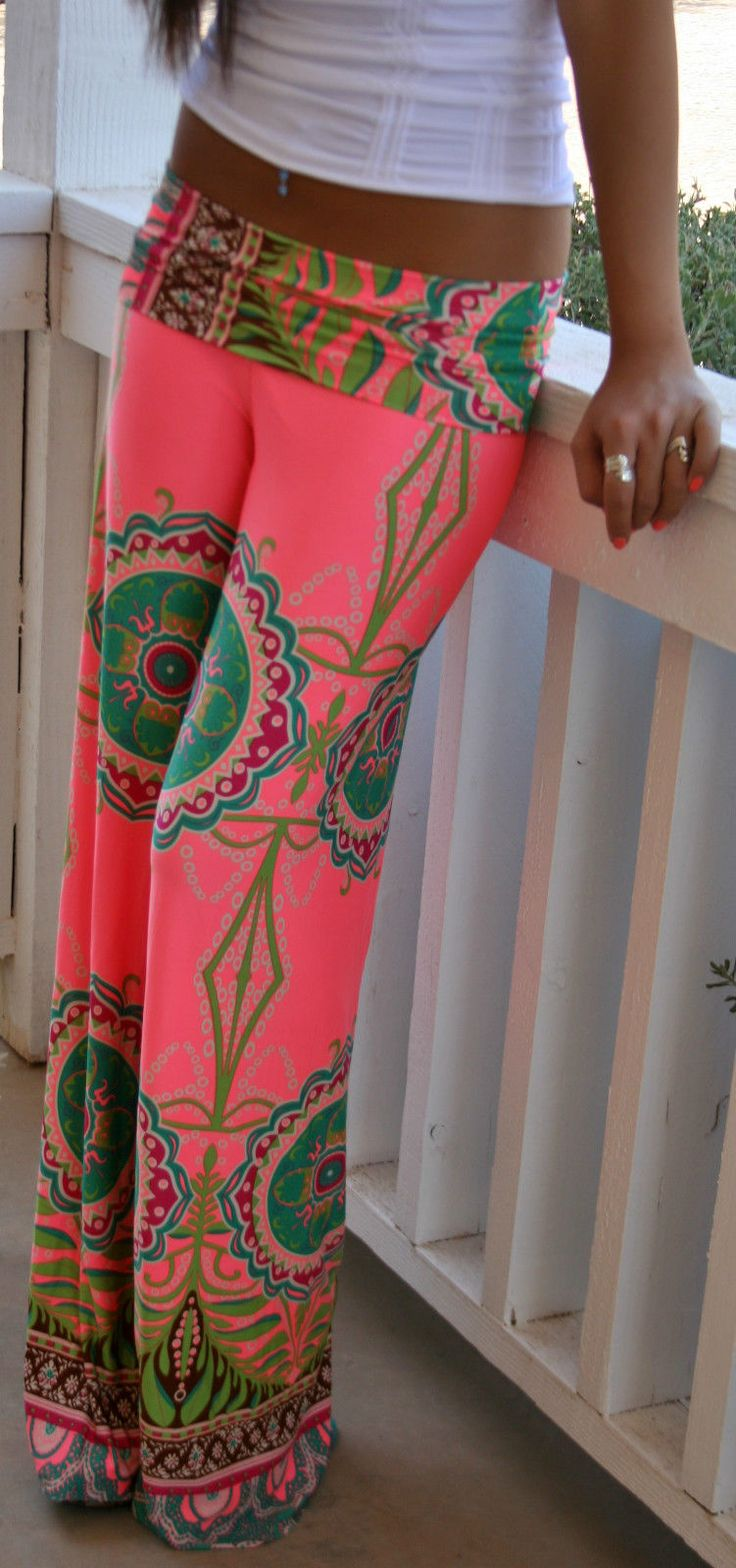 St Tropez palazzo pants coral. A little bit boho, a little bit resort, fabulous vacation wear.