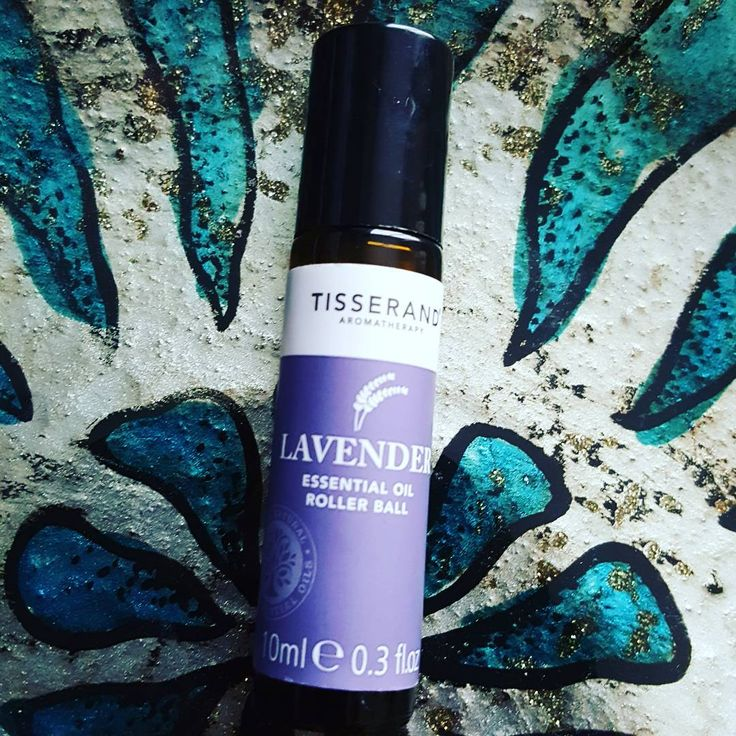Lavender oil is well known for its calming scent & is super at helping to eliminate nervous tension - an especially good aid during any anxious moments.  Additionally surprising facts ➡ many bugs such as mosquitos, midges & moths find the smell of lavender oil potent, so it doubles up as a bug repellant. Bonus!