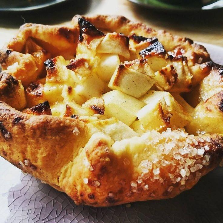 Foto Cathy Van de Moortele Wat is er nu lekkerder dan een vers gebakken appeltaartje? De korst van dit appeltaartje is lekker bruin en ...