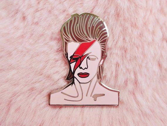 David Bowie Ziggy Stardust Aladdin Sane Jareth Goblin King 80s Pin Badge Brooch