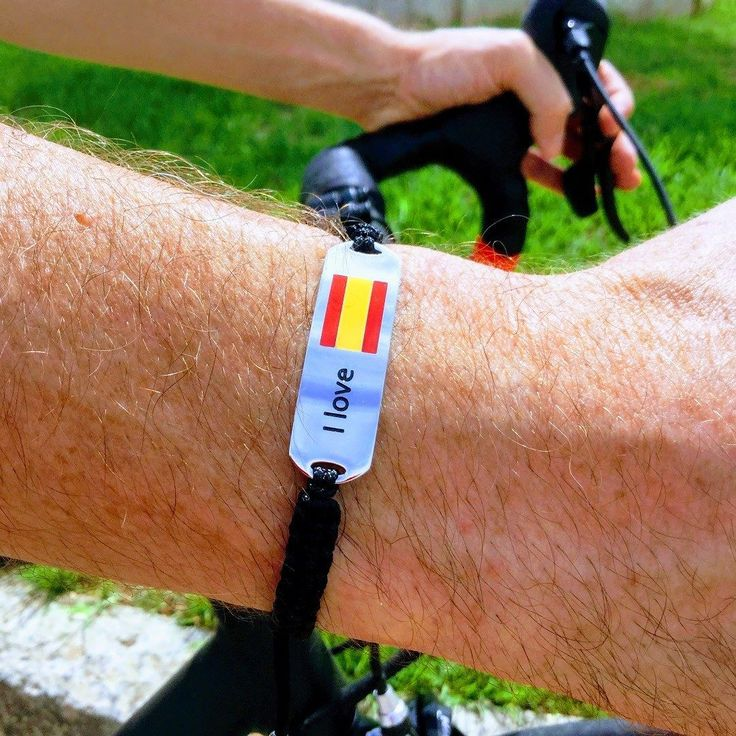 I love Spain. Bracelet with the Spanish flag. Stainless steel strong cord. Buy here: http://ift.tt/2xPcioP. We want to see your pictures use hashtag #ilovemejewellery. Follow us for news . . . #españa #banderaespañola #pulseras #madrid #valencia #barcelona #cycling  #bandera #nuevacoleccion #hechoamano #joya #joyeria #tiendaonline #compra #joyasplata #accesorio #accesoriodeldia #aceroinoxidable #regalo #trends #gifts #october #octubre #pulserashombre #españaunida #español #jewelrygram…
