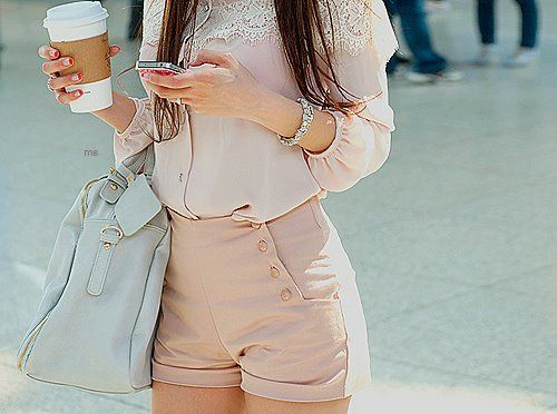 Love this outfit!!: Outfits, Style, Pale Pink, Cute Shorts, Buttons, Pastel Colors, Highwaist, Bags, High Waist Shorts