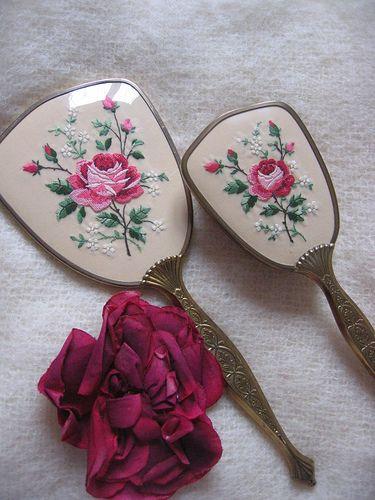 Rose vanity set