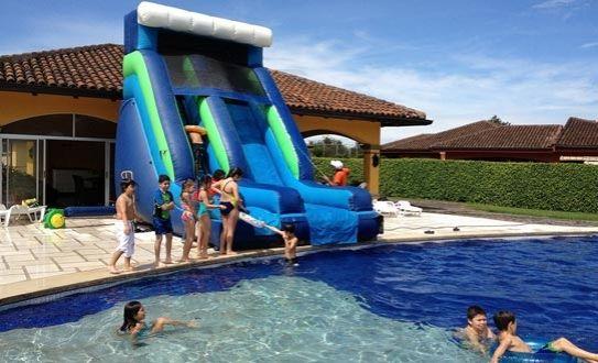 Alquilá un inflable de Brinka Fiestas ¡¡¡a mitad de precio!!! #Fiesta #Verano #Inflables #Diversion #Oferta #descuento #Vacaciones