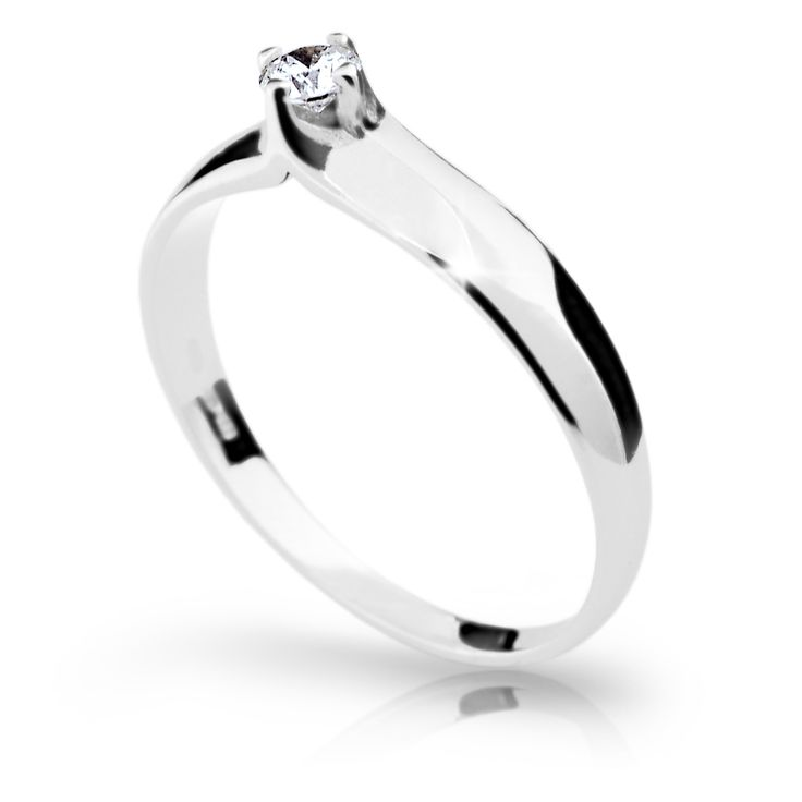 snowwhite engagement ring with a round brilliant diamond (fashion design: Danfil Diamonds)
