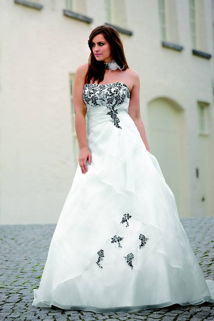 107 best Plus Size Wedding gowns images on Pinterest | Wedding ...