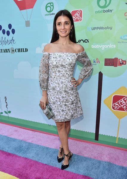 Shiri Appleby Photos Photos - Actress Shiri Appleby attends the Step2 & Favored.by Present The 5th Annual Red Carpet Safety Awareness Event at Sony Pictures Studios on September 24, 2016 in Culver City, California. - Step2 & Favored.by Present the 5th Annual Red Carpet Safety Awareness Event
