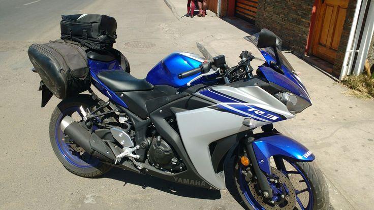Maletas para viajar en una Yamaha R3.