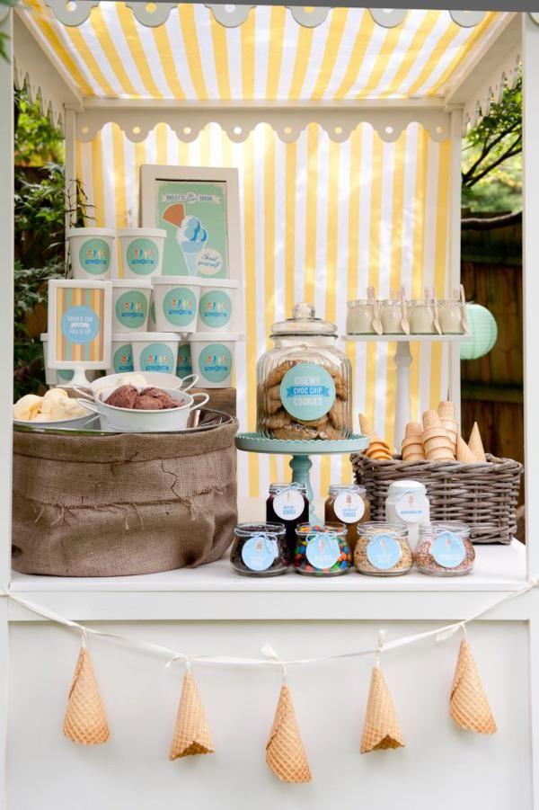 Ice Cream Birthday Party | Table de douceurs | Anniversaire crème glacée | Crédit photo Fiona Handbury via Kiss My Cake