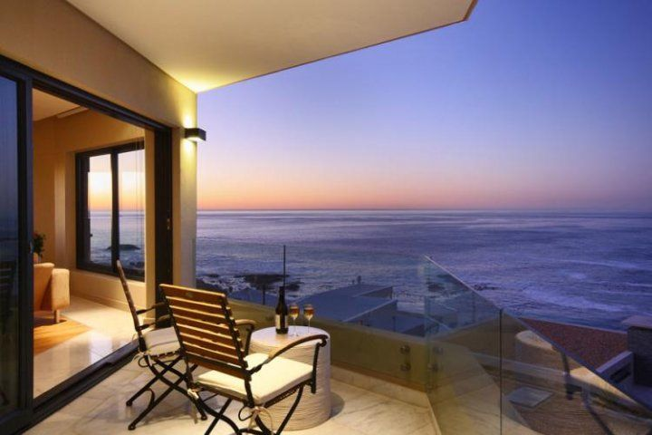 CAMPS BAY HEIGHTS. Holiday Rental  in Camps Bay for 8 People at R3,990 / Night