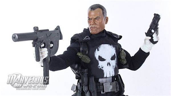 Sideshow Toys 1/6 Scale Marvel Punisher Figure Review & Image Gallery #Marvel